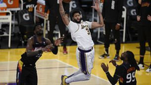 Anthony Davis agafa les regnes dels Lakers