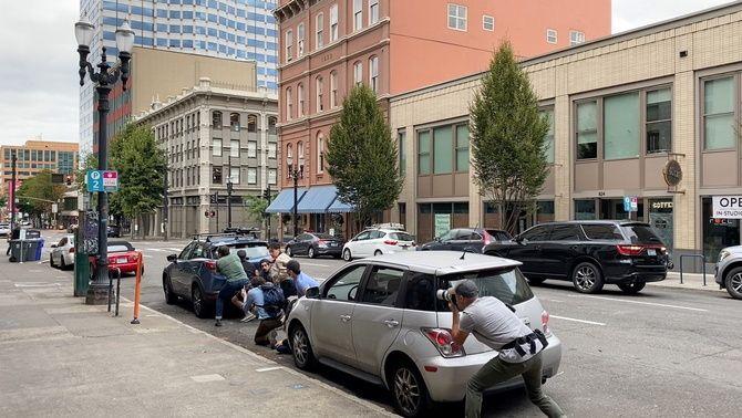 Una protesta de la milícia ultra Proud Boys acaba en tiroteig a Portland