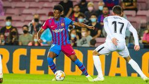 El Camp Nou coreja el nom de Balde, substituït abans d'acabar la mitja part
