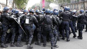 La policia reprimeix els manifestants a París (Reuters)