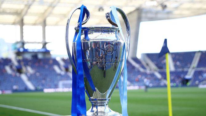 La UEFA admet el Barça i el Reial Madrid a la Champions 2021/2022