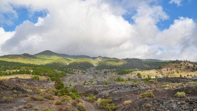La zona vocànica de Cumbre Vieja, a la Palma, on s'han registrat milers de petits moviments sísmics des de fa una setmana