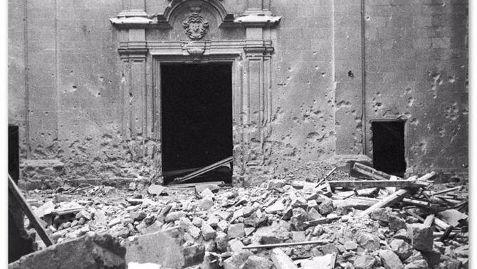 Fa 80 anys del bombardeig de l'aviació italiana a la plaça de Sant Felip Neri