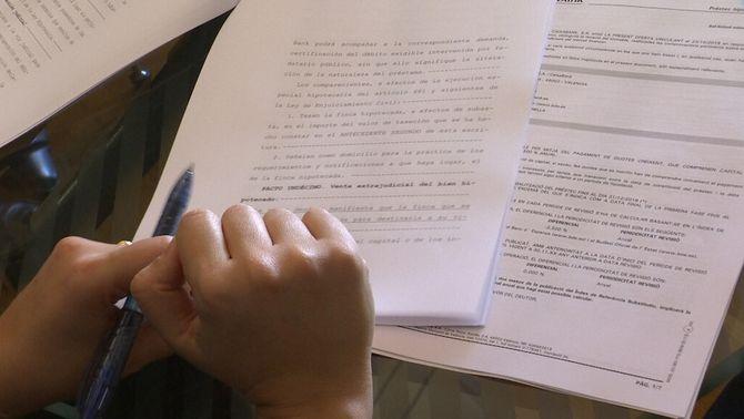 Entra en vigor la nova llei hipotecària: els bancs pagaran els tràmits de la firma