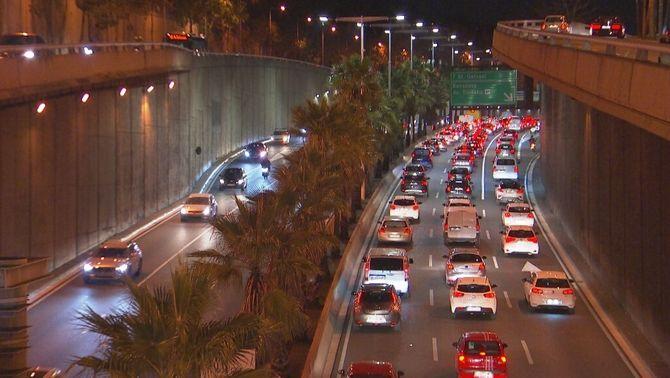 Marxen de pont gairebé tants cotxes com l'any passat, malgrat la Covid