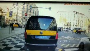 Un patinet atropella una dona al carrer Aragó de Barcelona