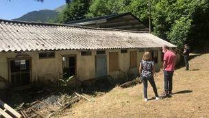 """Recuperar l'hospital de cartró de la Vall Fosca, una tasca artesanal en un edifici """"únic"""""""