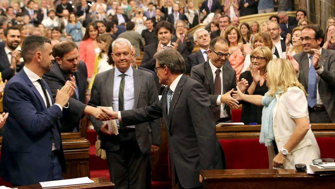 El Parlament aprova la llei de consultes no referendàries que servirà per convocar la del 9-N