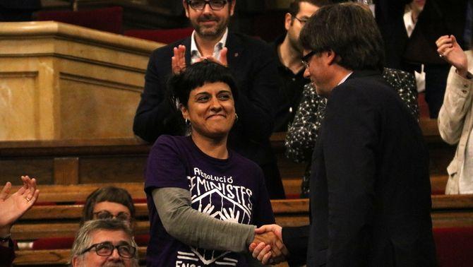 Puigdemont supera la qüestió de confiança amb els vots afirmatius de Junts pel Sí i la CUP