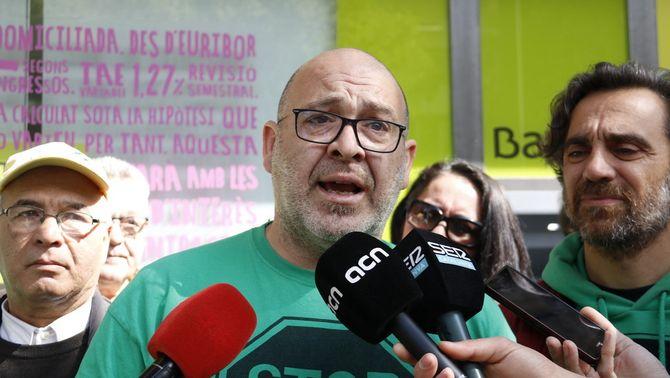 """La PAH avisa que entra """"en campanya"""" i amenaça amb 'escratxes' als partits que no prioritzin l'habitatge el 28-A"""