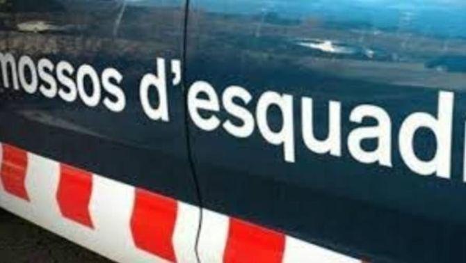 En estat crític una dona atropellada per una patrulla dels Mossos a Barcelona
