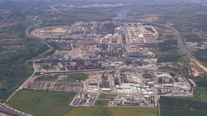 El pla de risc químic, qüestionat: la majoria de municipis no poden activar les sirenes