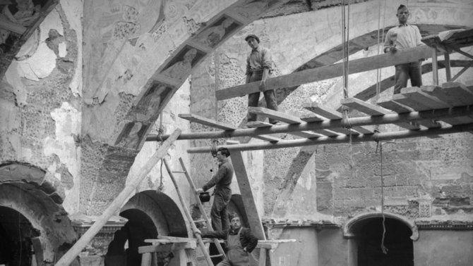 Extracció dels murals de Sixena, 1936