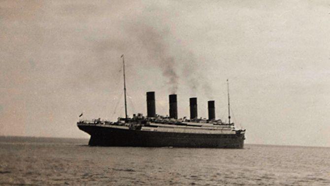 """El cinema, els col·leccionistes i els nostàlgics recorden els 100 anys de l'enfonsament del """"Titanic"""""""