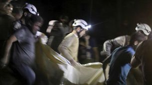 Equips de rescat treuren víctimes de l'hospital infantil d'Alep