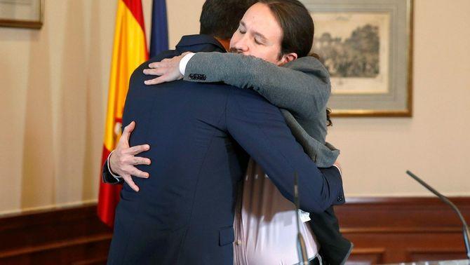 """Sánchez i Iglesias escenifiquen un acord de govern """"rotundament progressista"""""""