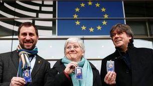 Ponsatí s'acredita com a eurodiputada, acompanyada de Puigdemont i Comín