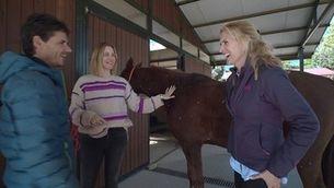 Àlex Crivillé i Martina Klein, confessions passejant a cavall