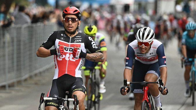 Caleb Ewan s'imposa a l'esprint en la setena etapa del Giro d'Itàlia
