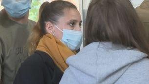 Valérie Bacot, acusada d'assassinat, en l'arribada als jutjats