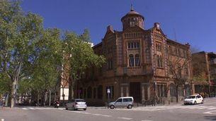 La Casa de la Premsa, un edifici històric en desús que reclamen els veïns del Poble-sec