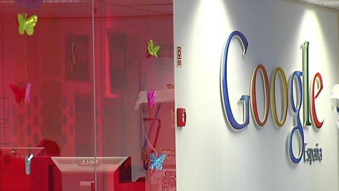 Cartell a l'interior de la seu de Madrid de Google Espanya