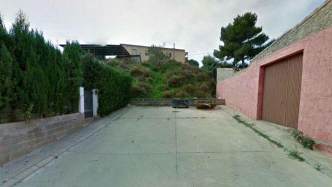 Aquest és el carrer 9 de novembre de Montoliu de Lleida (Google Maps)