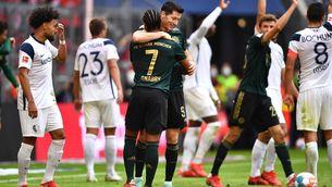 Lewandowski i Gnabry, celebrant un dels gols contra el Bochum