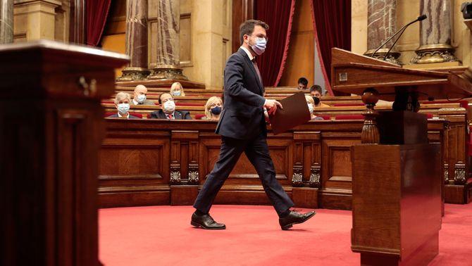 El president de la Generalitat es dirigeix al faristol