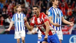 La Reial Societat manté el liderat i Luis Suárez salva l'Atlètic de Madrid (2-2)