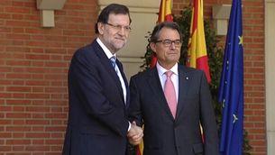 L'encaixada de Rajoy i Mas, a les portes de La Moncloa.