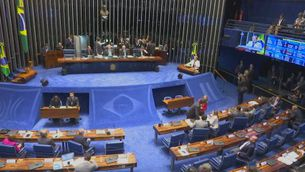 Sessió maratoniana al Senat per aprovar tirar endavant impeachment