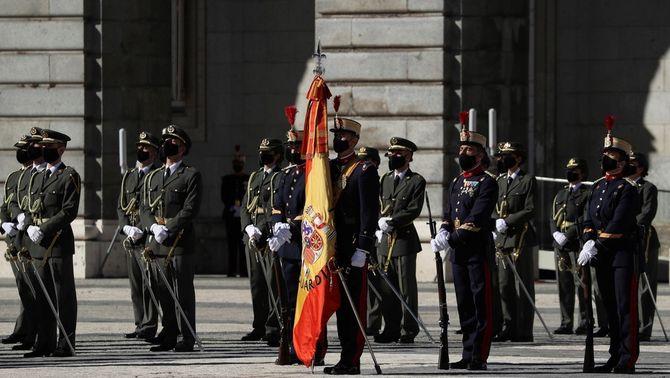 Un nou manifest de 400 exmilitars acusa Sánchez de posar en perill la unitat d'Espanya