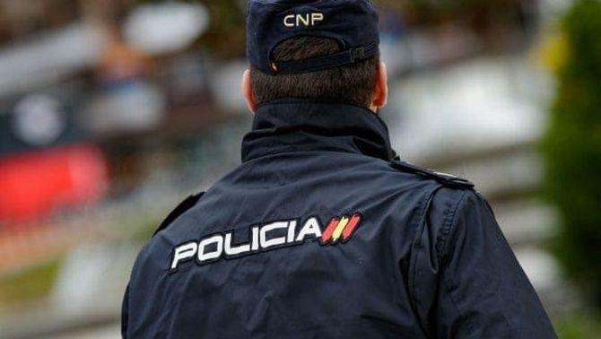Policies nacionals i guàrdies civils es vacunaran a partir de dilluns a les comandàncies