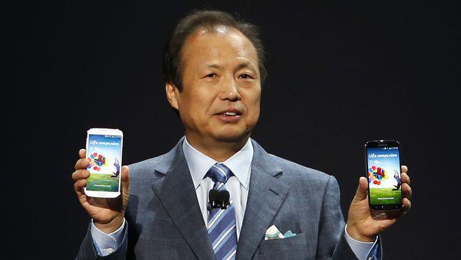 Samsung presenta el Galaxy S4, que opera amb la mirada