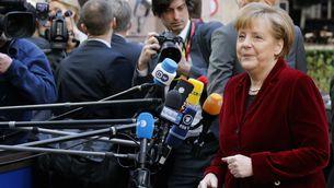 Merkel arribant a la cimera extraordinària de la UE sobre Ucraïna. (Foto: Reuters)