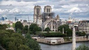 Un dron entra a Notre-Dame per mostrar-ne la reconstrucció dos anys després del foc