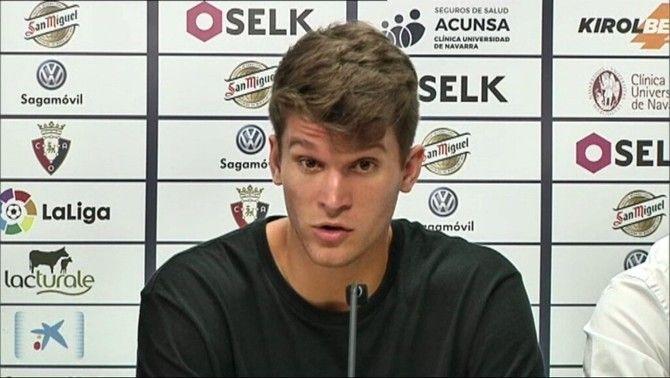 Marc Cardona, il·lusionat en la seva presentació oficial com a nou jugador de l'Osasuna