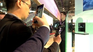 Imatge de:El Mobile World Congress penja d'un fil