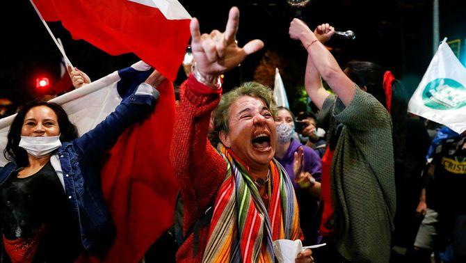 Xile aprova amb prop del 80% dels vots el canvi de la Constitució heretada de Pinochet