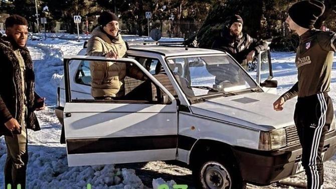 Quatre jugadors de l'Atlètic de Madrid han anat a entrenar-se amb un Fiat Panda