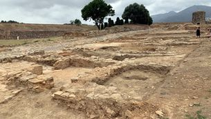Els arqueòlegs desenterren 900 metres quadrats de la trama urbana de la vila medieval de Roses