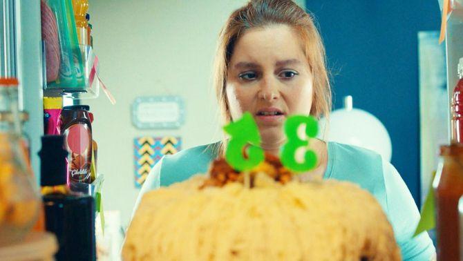 La Beste, davant del pastis del seu 35è aniversari