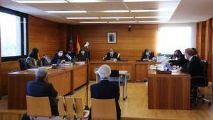 El dos directius d'Escal UGS asseguts al banc dels acusats