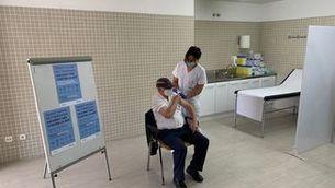 Comença la vacunació de la grip què coincidirà amb la tercera dosi als majors de 70 anys