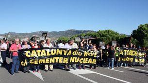 Imatge d'arxiu: manifestants tallen la C-12 (Foto: ACN)