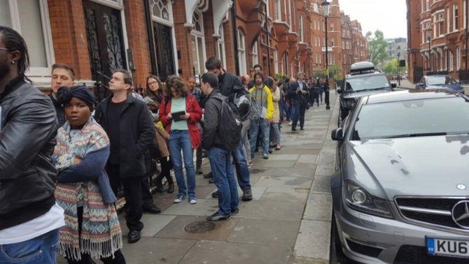 Queixes d'espanyols a l'estranger per les dificultats per votar