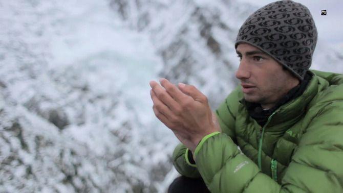 Kilian Jornet renuncia a fer el cim de l'Everest per les condicions meteorològiques