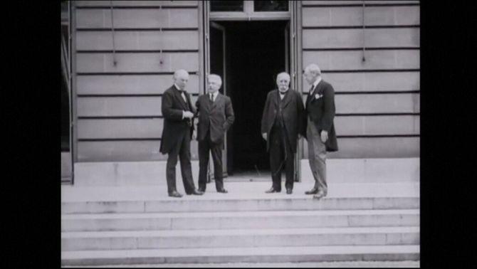 El primer ministre britànic, Lloyd George; el primer ministre italià Vittorio Emanuele Orlando; el primer ministre francès, Georges Benjamin Clemenc…