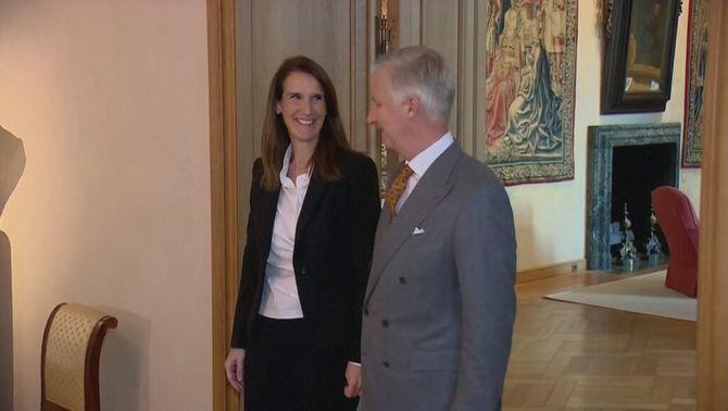 La primera ministra, Sophie Wilmès, amb el rei Felip de Bèlgica